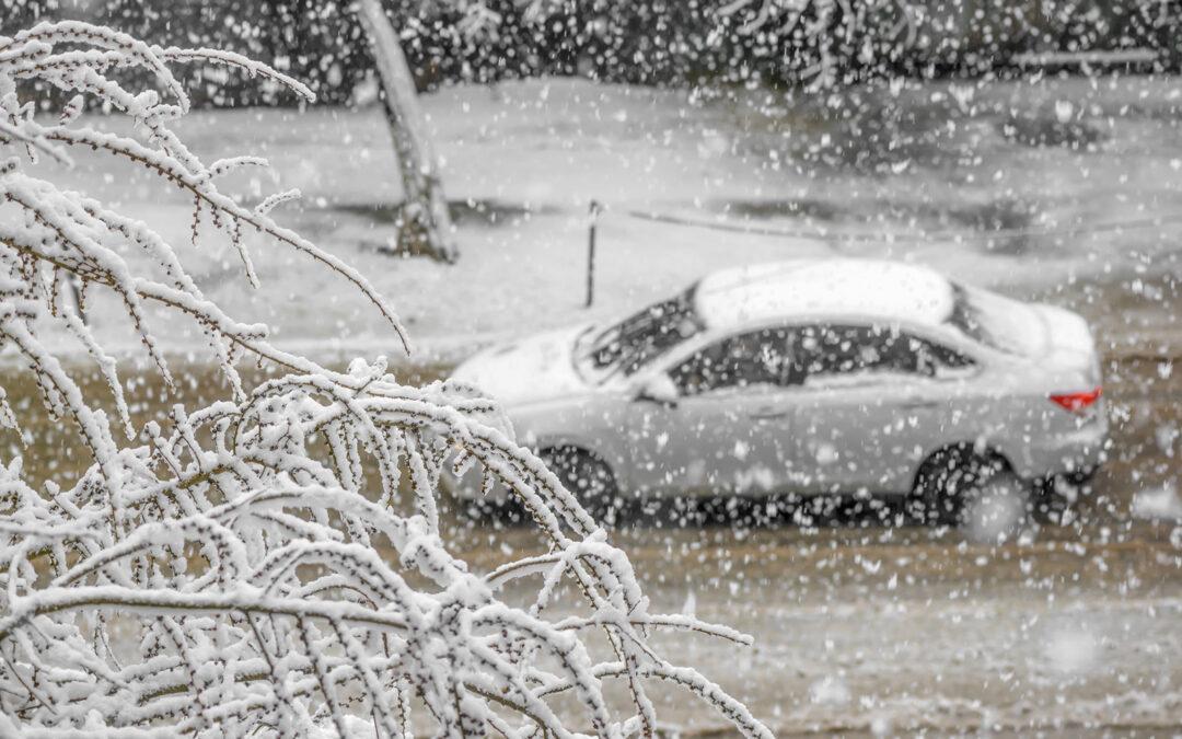 Komunikat PINB: Zagrożenia związane zintensywnymi opadami śniegu.